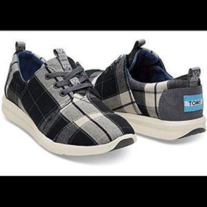 NWT Tom's Del Ray. Black and White Plaid. Size 8.